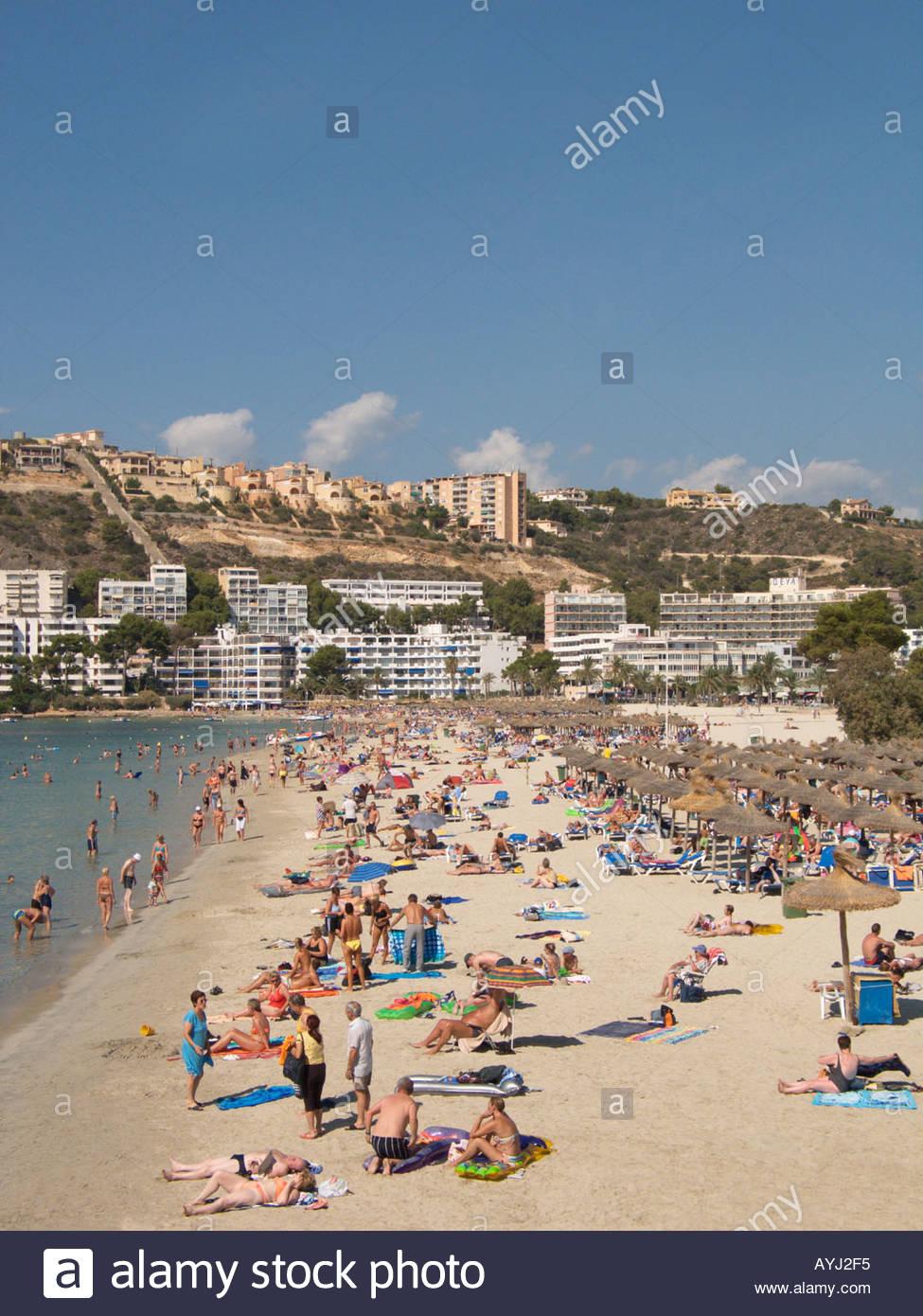 santa ponsa bay and beach scene ponent region majorca spain AYJ2F5