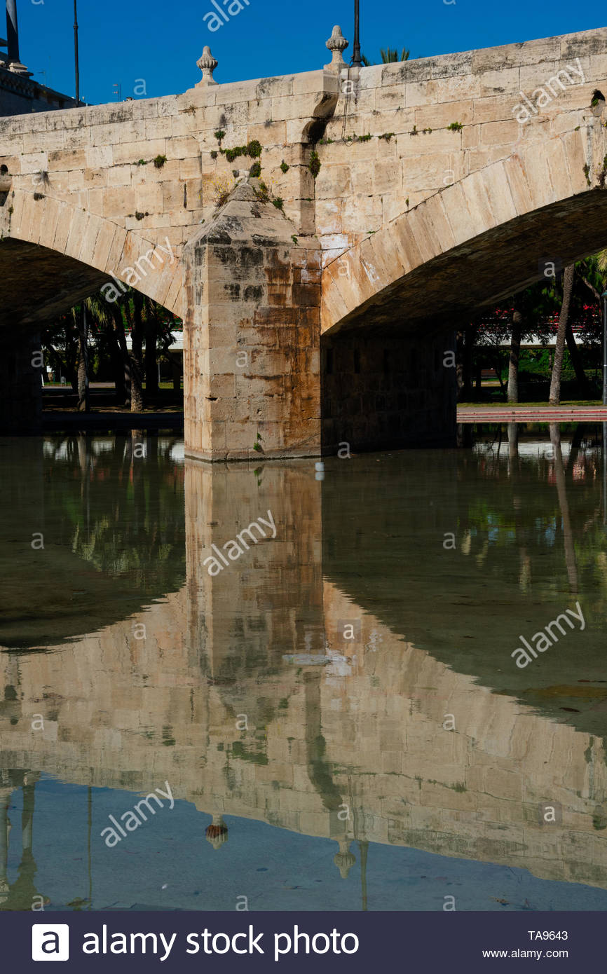 valencia spain february 6 2019 sea bride puente del mar turias garden jardin de turia TA9643